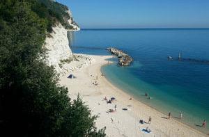spiaggiola-numana-affitto-camere-b&b-riviera-del-conero-b&b-vivere-il-mare