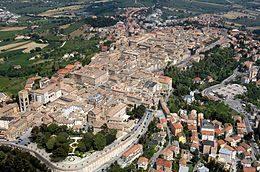 osimo-grotte-ancona-mare-numana-riviera-del-conero-affitto-rent-camere-room-b&b-vivere-il-mare